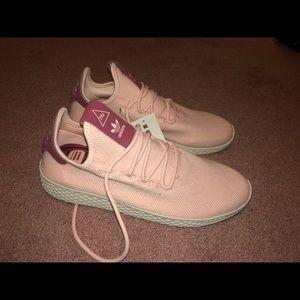 NWT Adidas X Pharrell Williams Blush Pink Sneaker!